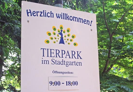 Schild am Tierpark