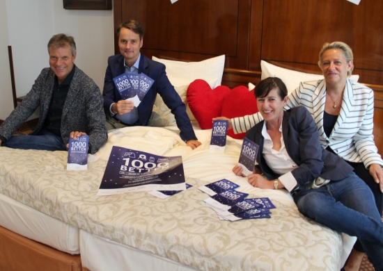 Bürgermeister Christoph Tesche, Georg Gabriel, stellvertretender Fachbereichsleiter Wirtschaftsförderung, Sabine Stelker vom Residenz-Hotel und Susanna Goesmann von der Engelsburg stellten die Aktion vor.