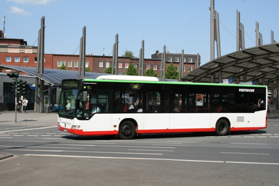 Bus am Busbahnhof
