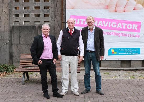 Volker Hülsmann, Fachbereichsleiter Kinder, Jugend und Familie, der Erste Beigeordnete Georg Möllers und Joachim Glenneschuster von der Jugendhilfeplanung.