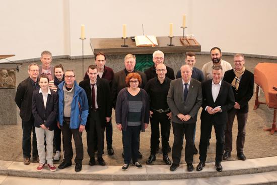 Teilnehmer und Organisatoren der Veranstaltung mit Joachim Gauck trafen sich in der Christuskirche mit Bürgermeister Christoph Tesche und dem Ersten Beigeordneten Georg Möllers, um die Details des Programms zu klären.