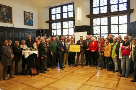 Pressefoto Bürgermeister Christoph Tesche und der Erste Beigeordnete Georg Möllers empfingen etwa 40 der ersten Recklinghäuser Ehrenamtskarten-Inhaber im Ratssaal.