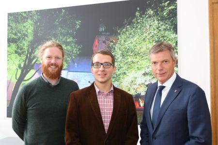 Den Themen Klima und Nahmobilität widmen sich David Knor und Torben Stasch in der neu eingerichteten Stabstelle, die Bürgermeister Christoph Tesche direkt unterstellt ist. Foto - Stadt RE