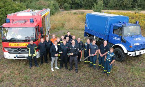 Pressefoto Feuerwehr und THW