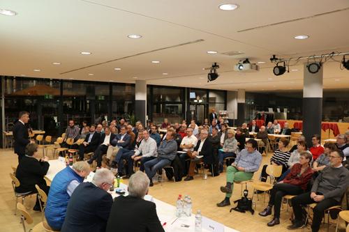 Gut besucht war die Stadtteilkonferenz Ost/Hillen, die in der Mensa der Fachhochschule stattfand. Foto: Stadt RE
