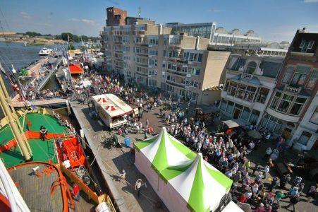 Pressefoto: Dieses Jahr dampft Dordrecht wieder: Bei einem Tagesausflug der BRÜCKE können RecklinghäuserInnen die Partnerstadt kennenlernen.