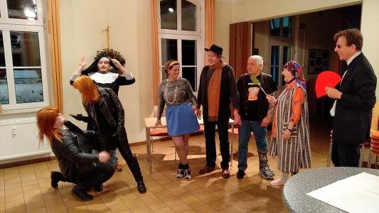 Paulus(t)spiel Probe Nachts in der Künstlerkantine Rechte Theaterverein Paulus(t)spiel e.V.