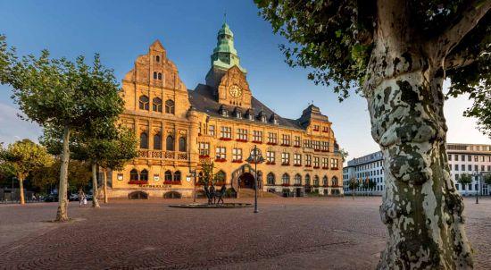 Pressefoto: Mit etwas Glück und vor allem vielen Klickzahlen ist das Rathaus in Recklinghausen schon bald das Schönste in ganz NRW. Foto: Stadt RE