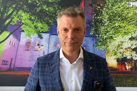 Bürgermeister Tesche appelliert an die Bürgerschaft.