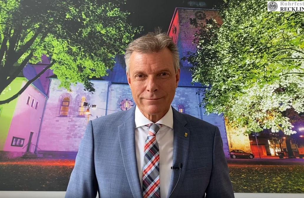 Bürgermeister Christoph Tesche wendet sich in einer weiteren Videobotschaft an die Recklinghäuser Bürgerschaft. Foto: Stadt RE