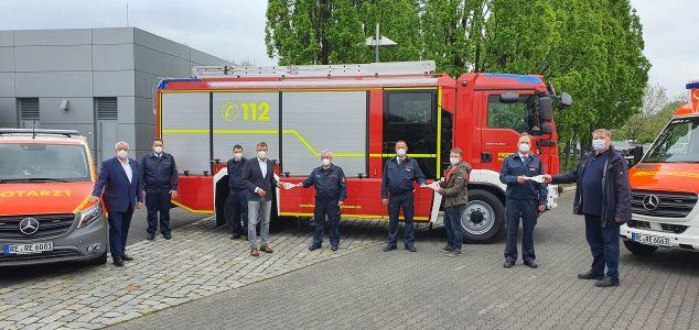 Pressefoto: Mit dabei waren auch der Ausschussvorsitzende für Ordnung, Feuerwehr und Katastrophenschutz, Claus Beeking, und sein Stellvertreter Thorben Terwort