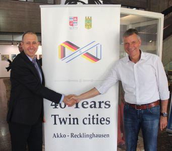 Seit Jahren verbindet Christoph Tesche eine enge Freundschaft mit seinem Amtskollegen Shimon Lankri aus Akko. Foto: Stadt RE