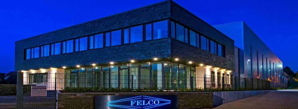 FELCO-Gebäude bei Nacht