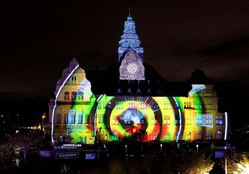 Rathaus während Recklinghausen leuchtet.