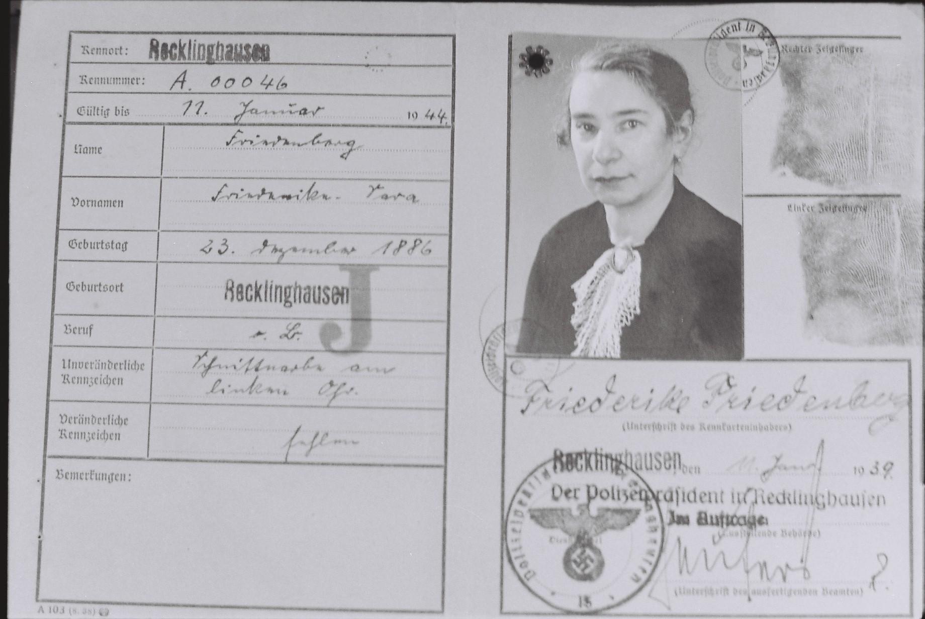 Kennkarte für Friederike Friedenberg (Foto: Archiv Georg Möllers)