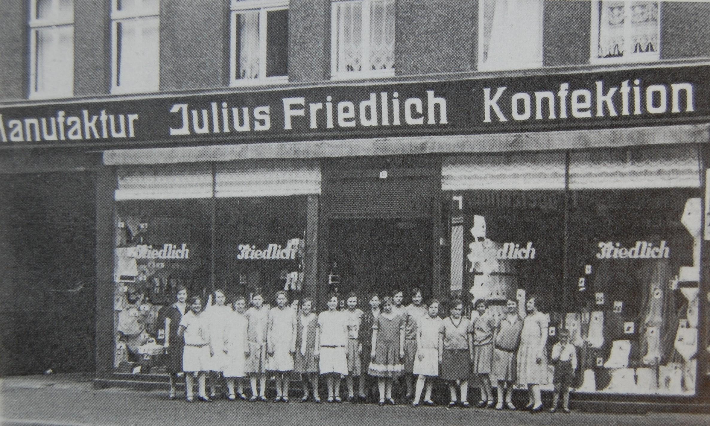 Angestellte des Textilgeschäftes von Julius Friedlich 1928 (Foto: Mohr)