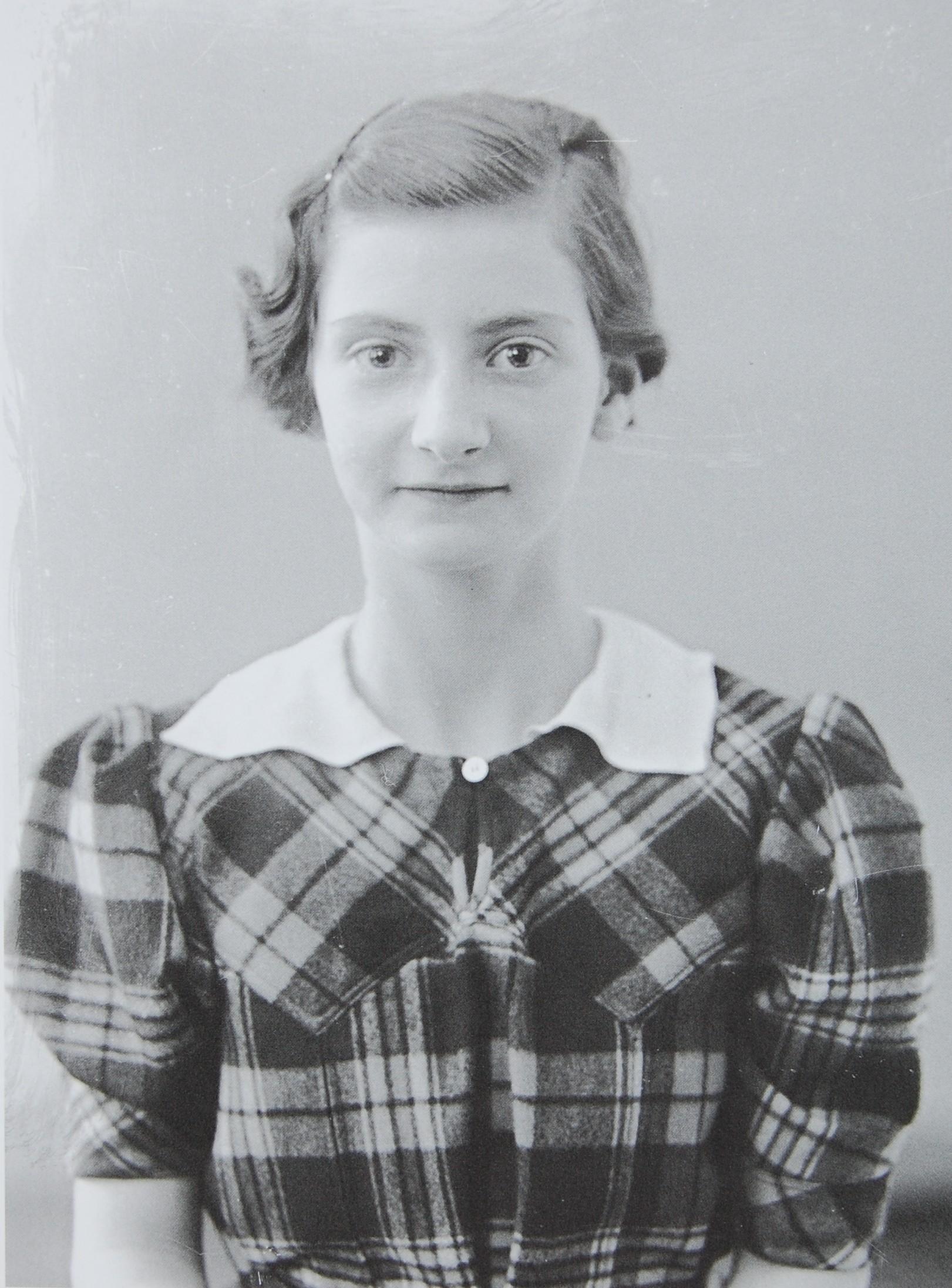 Helga Heimberg, ca. 1938