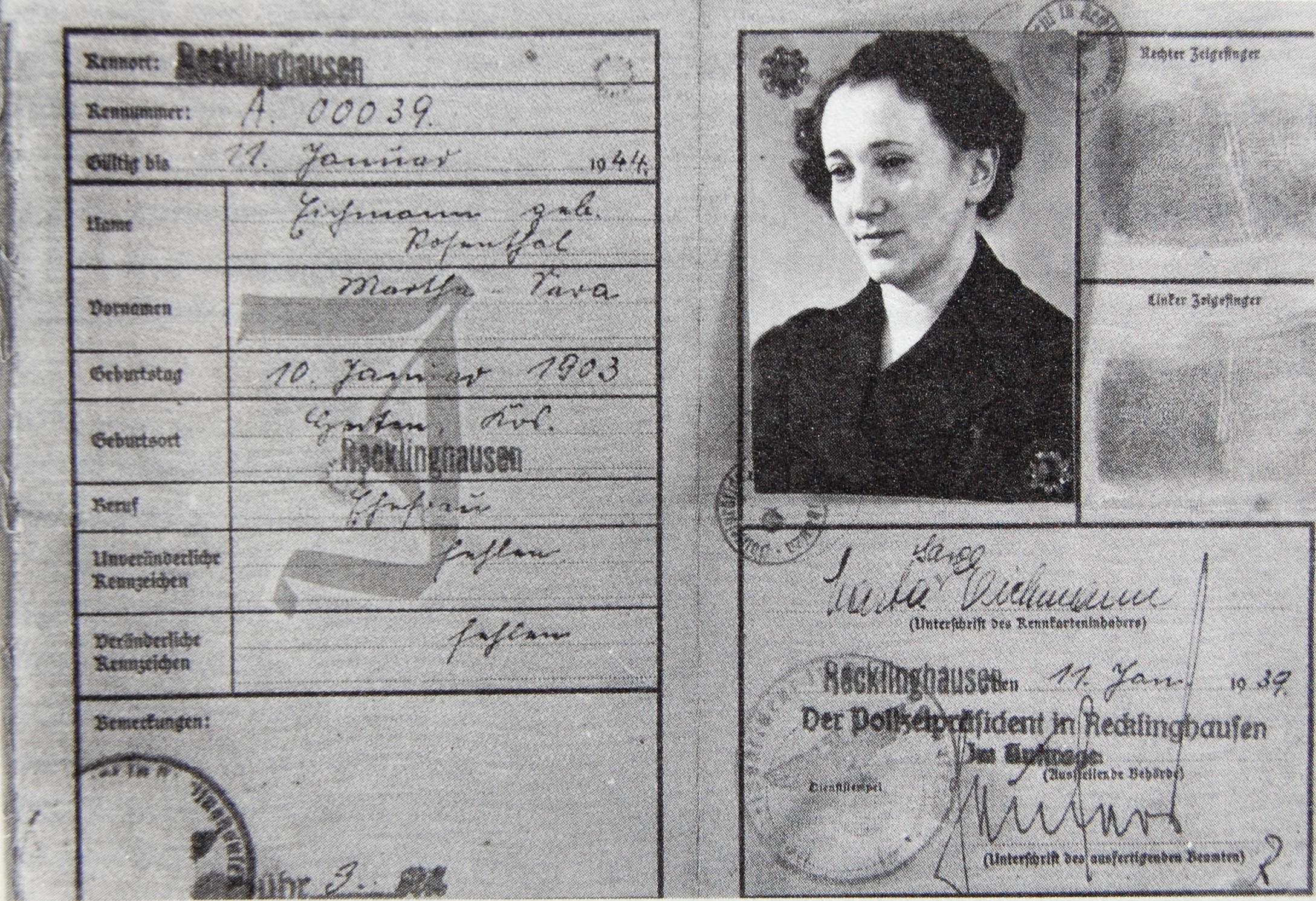 Kennkarte für Martha Eichmann, geb. Rosenthal