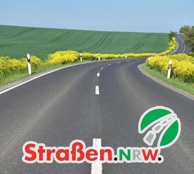 Bild: Landstraße mit Straßen.NRW-Logo (Foto: dieter76, fotolia.com)