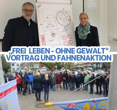 Auf dem Bild: Vortrag mit Matthias Müller, Foto: Stadt Waltrop, Fahnenaktion mit der Bürgermeisterin, Foto: Martin Behr, Waltroper Zeitung