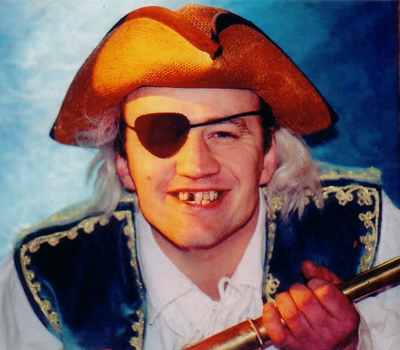 Auf dem Bild: Don Kidschote als Käptn Flintbacke. Foto: PR