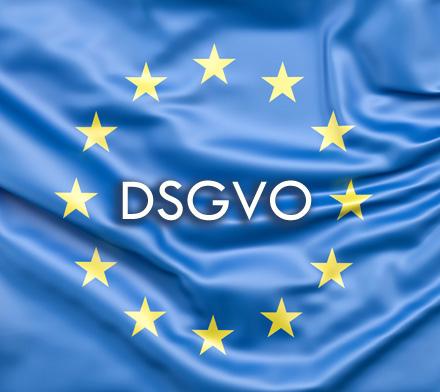 Auf dem Bild: EU-Flagge, Schrift im Bild: DSGVO; © www.slon.pics via freepik.com