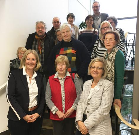 Auf dem Bild: Bürgermeisterin Nicole Moenikes, Bettina Reers, Andreas Guderian und die Teilnehmenden der Exkursion
