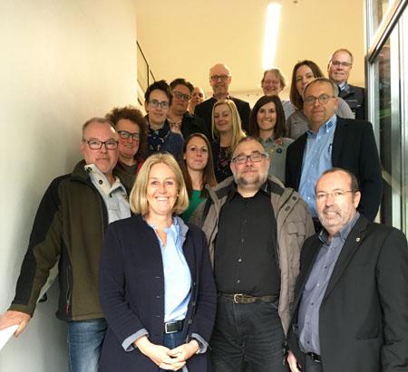Auf dem Foto: Unternehmerinnen und Unternehmer aus Waltrop mit Bürgermeisterin Nicole Moenikes und Wirtschaftsförderer Burkhard Tiessen. Foto: Stadt Waltrop
