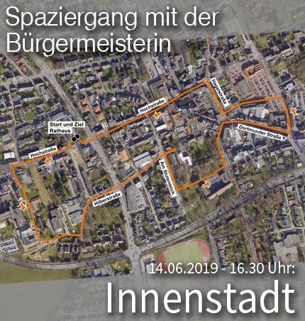 """Bild: Luftbild des Stadtviertels """"Innenstadt"""" mit Wegmarkern für den Quartier-Spaziergang. Grafik: Stadt Waltrop."""