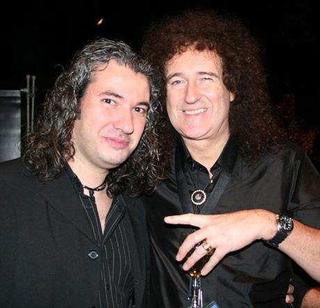 Auf dem Bild: WE ROCK-Queen-Bandleader Frank Rohles (l.) und Queen-Gitarrist Brian May. Foto: Robert Würges