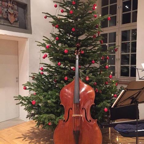 Auf dem Bild: Vorbereitungen auf das Konzert. Foto: PR