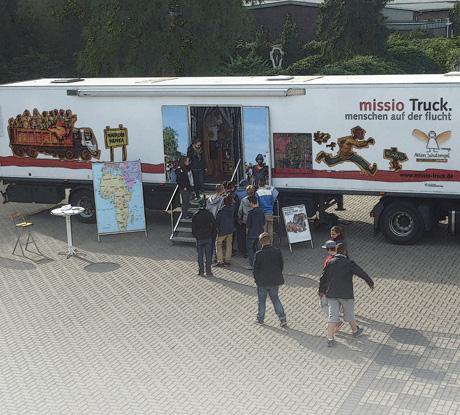 Auf dem Bild: missio-Truck.