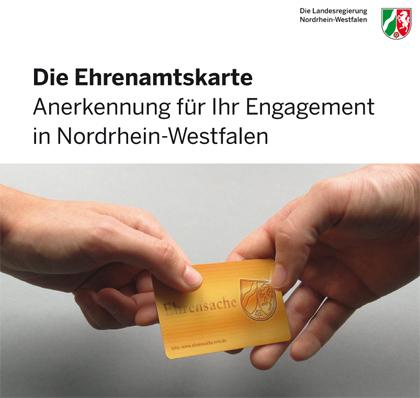 Auf dem Bild: Ehrenamtskarte, Schrift im Bild: Die Ehrenamtskarte - Anerkennung für Ihr Engagement in Nordrhein-Westfalen; Foto und Grafik: Landesregierung Nordrhein-Westfalen