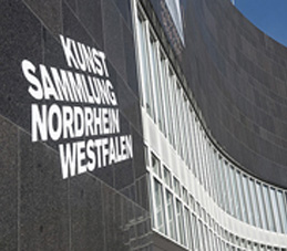 Auf dem Bild: Kunstsammlung NRW, Gebäude. Foto: Katja Illner. Quelle: www.wehrensache.nrw.de