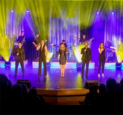 Auf dem Bild: Bühnenfoto Broadway Experience. Quelle: 4ce Productions GbR